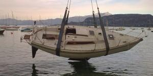 Recupero e sollevamento barca a vela